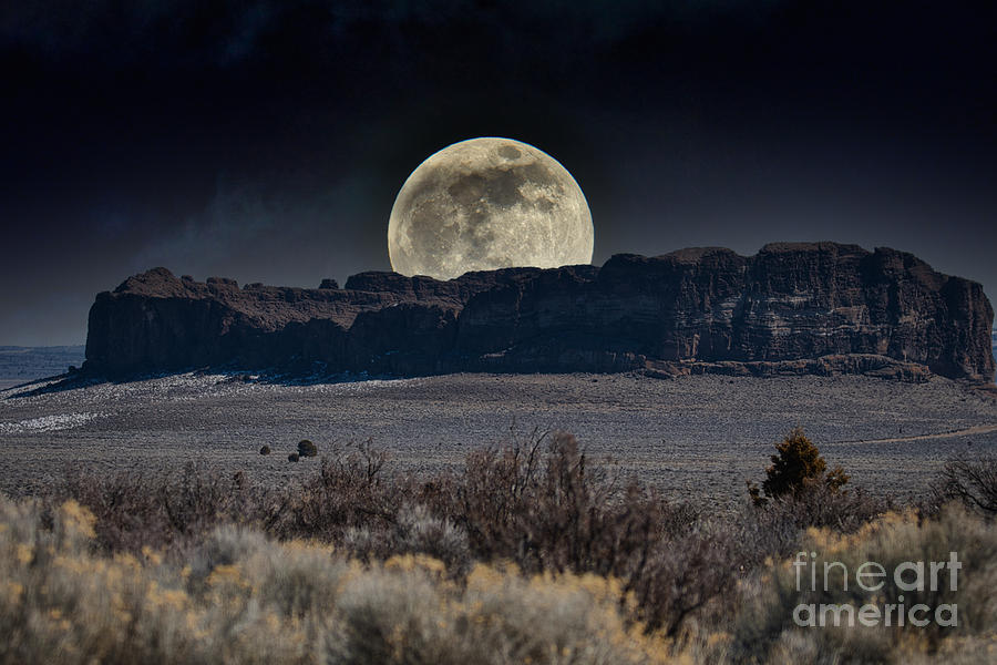 Fort Rock Fantasy Moon by Stan Townsend
