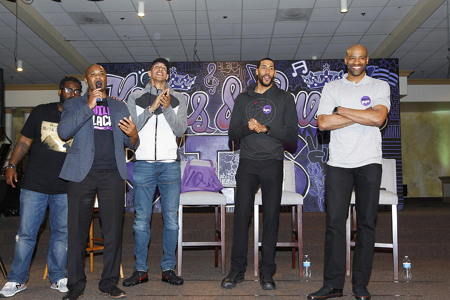 Garrett Temple, Vince Carter, and Doug Christie Photograph by Rocky Widner