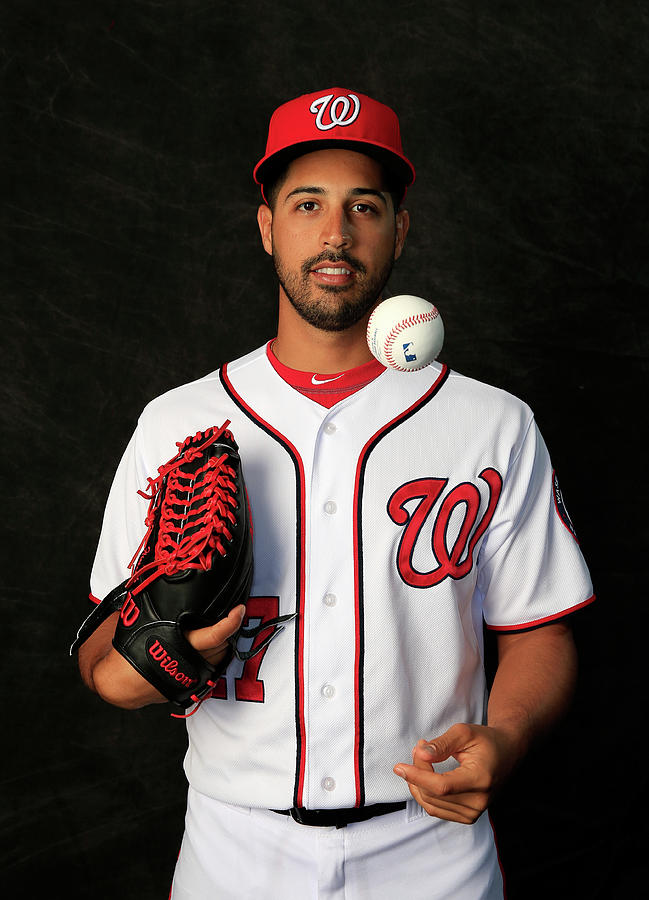 Gio Gonzalez Photograph by Rob Carr