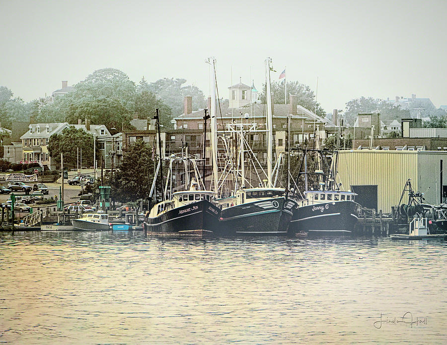 Gloucester Photograph - Gloucester Harbor by Linda Lee Hall