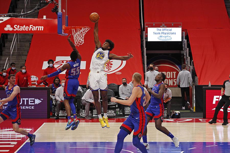 Golden State Warriors v Detroit Pistons Photograph by Brian Sevald