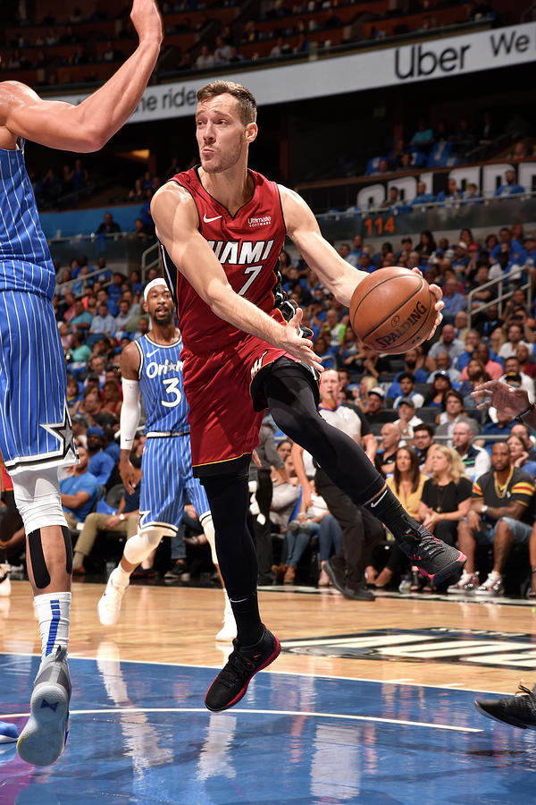 Goran Dragic Photograph by Gary Bassing