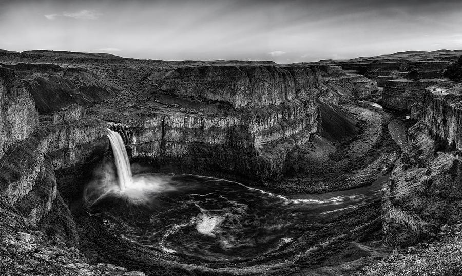 Grandure of Palouse Falls Black and White by Mark Kiver