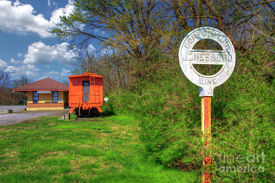 Travel Photograph - Gulf, Mobile and Ohio Depot Jonesboro Illinois by Larry Braun