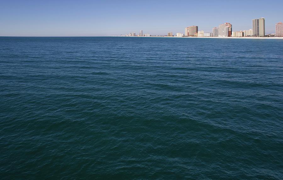 Gulf Rising by Dylan Punke
