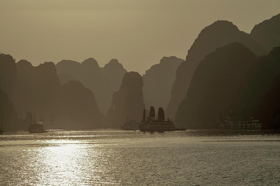 Halong Bay, Vietnam by Dubi Roman
