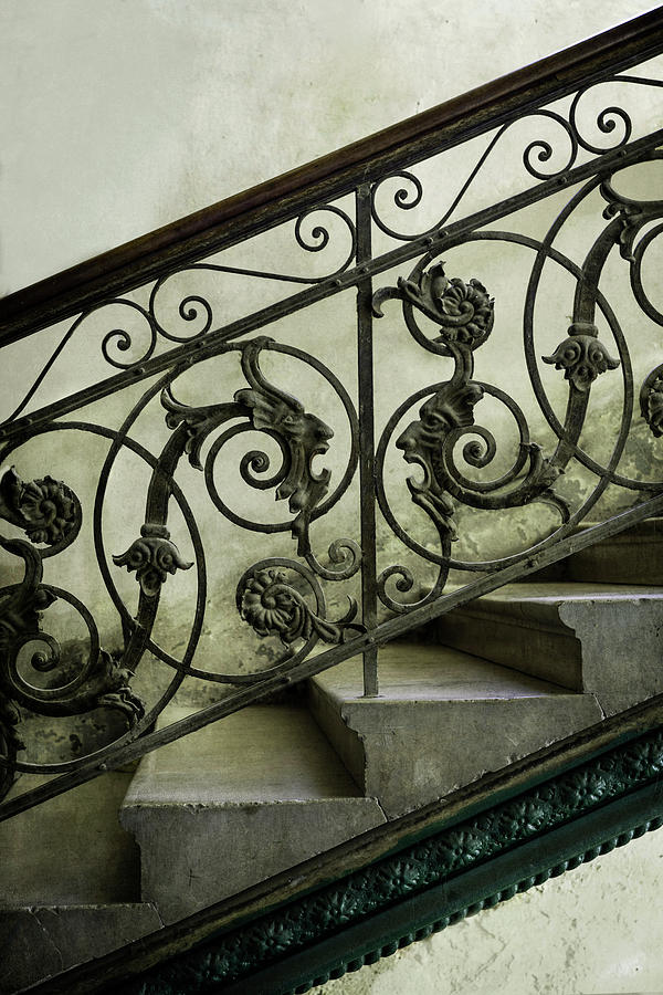 Heads on the stairs by Jaroslaw Blaminsky