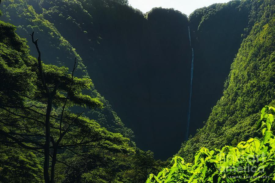 Hiilawe Falls Photograph