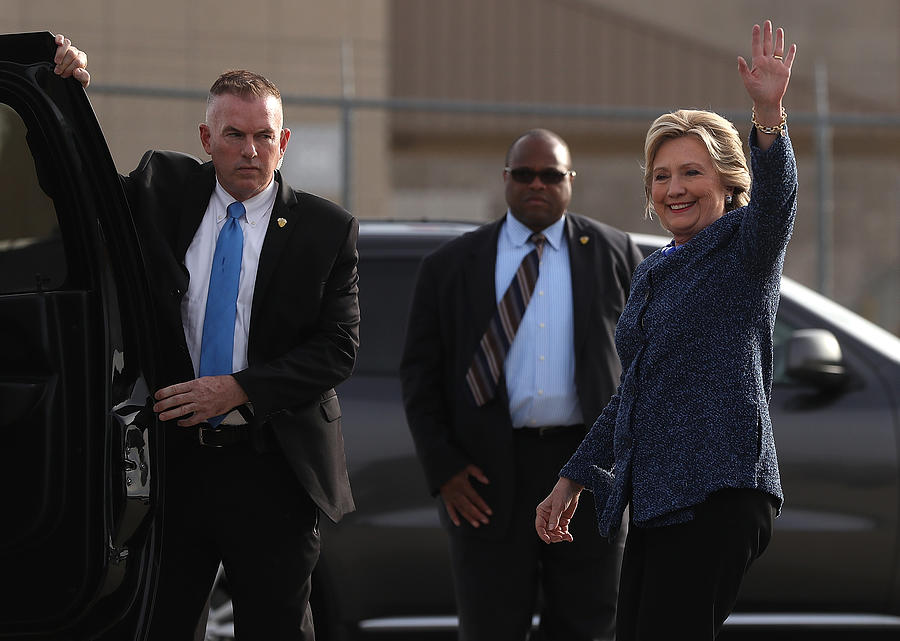 Hillary Clinton Holds Early Voting Rallies In Iowa Photograph by Justin Sullivan
