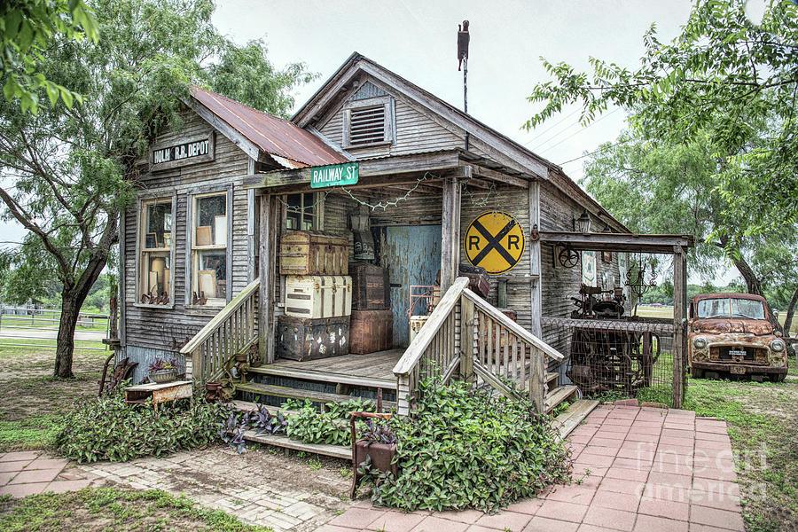 Holm Railroad Station by Lynn Sprowl
