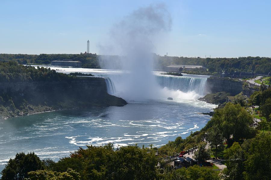 Horseshoe Falls at Niagara Falls Canada by RD Erickson