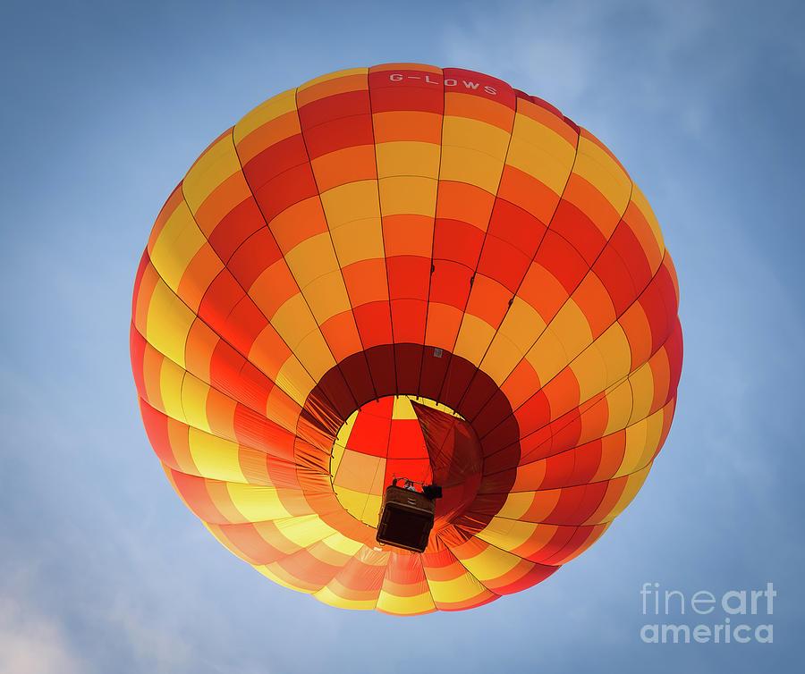Hot Air Balloon at Bristol International Balloon Fiesta. by Colin Rayner