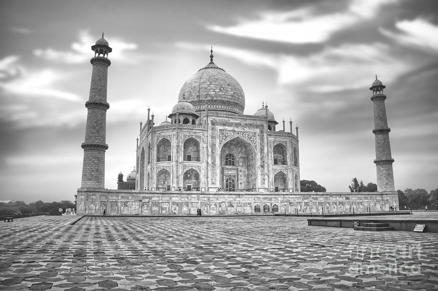Taj Mahal Palace Photograph - India - Taj Mahal - Agra Uttar Pradesh BW by Stefano Senise