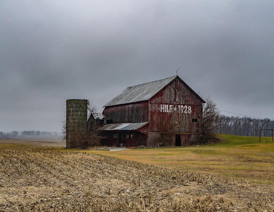 Landscape Photograph - Indiana Barn #101 by Scott Smith
