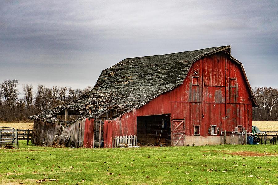 Landscape Photograph - Indiana Barn #104 by Scott Smith