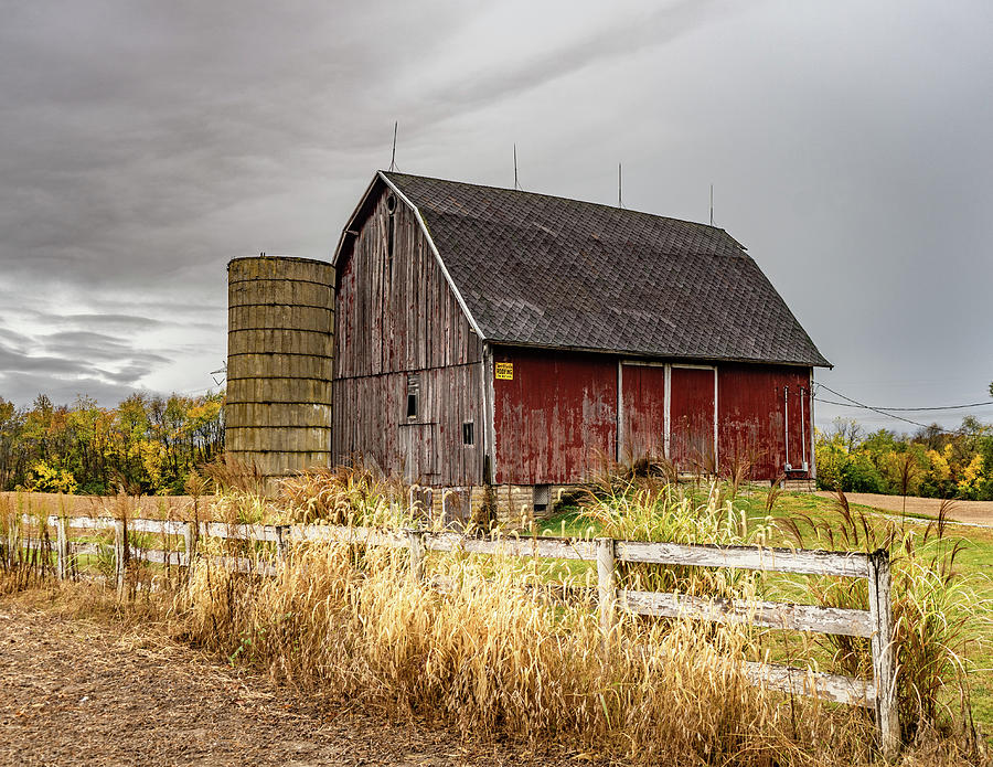Landscape Photograph - Indiana Barn #106 by Scott Smith