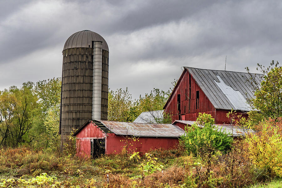 Landscape Photograph - Indiana Barn #108 by Scott Smith