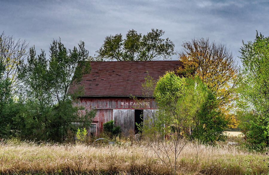 Landscape Photograph - Indiana Barn #121 by Scott Smith