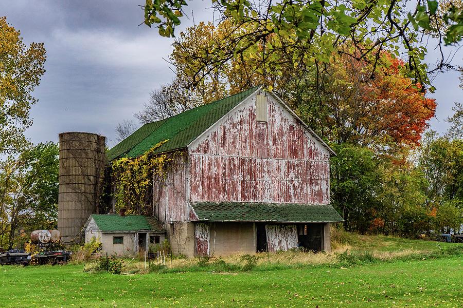 Landscape Photograph - Indiana Barn #123 by Scott Smith