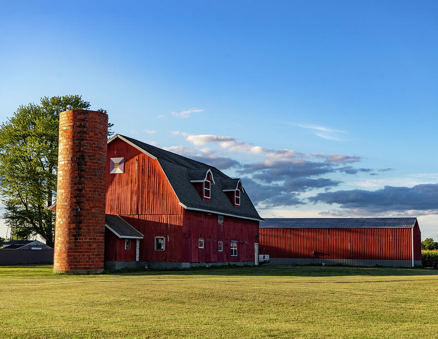 Landscape Photograph - Indiana Barn #129 by Scott Smith