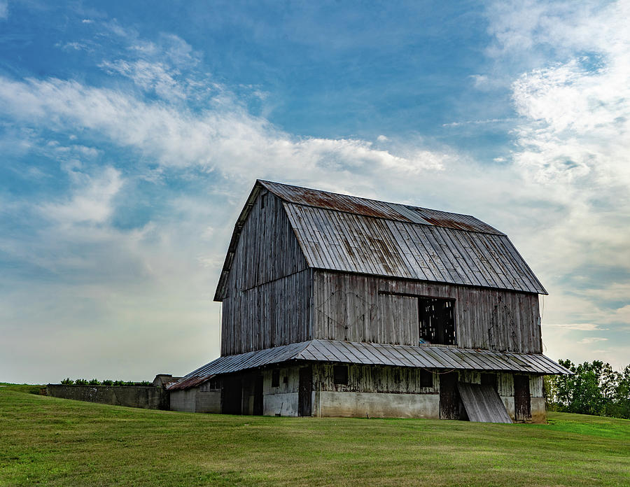 Landscape Photograph - Indiana Barn #130 by Scott Smith