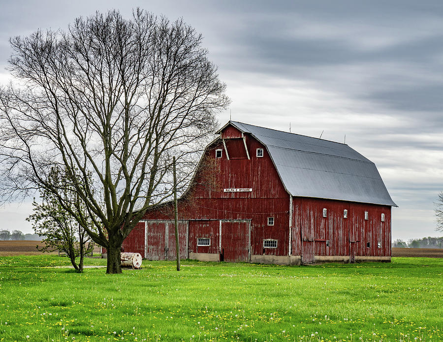 Landscape Photograph - Indiana Barn #133 by Scott Smith