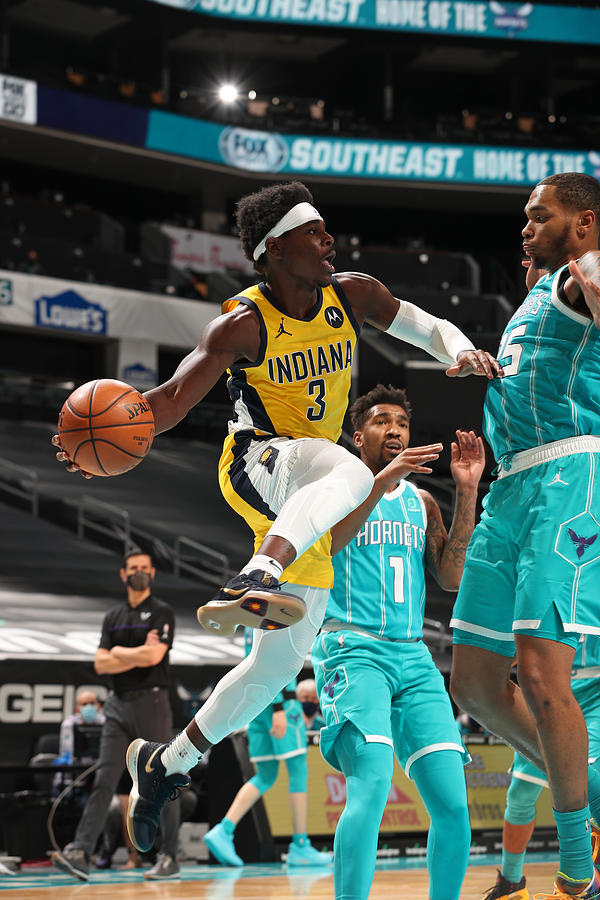 Indiana Pacers v Charlotte Hornets Photograph by Kent Smith