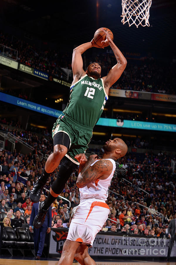 Jabari Parker Photograph by Barry Gossage