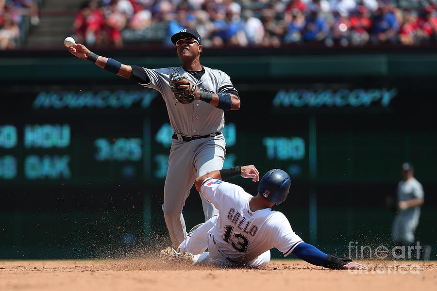 Joey Gallo and Starlin Castro Photograph by Richard Rodriguez