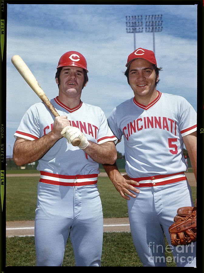 Johnny Bench and Pete Rose Photograph by Louis Requena