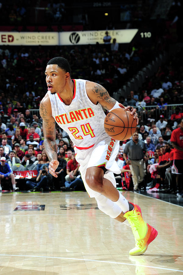 Kent Bazemore Photograph by Scott Cunningham