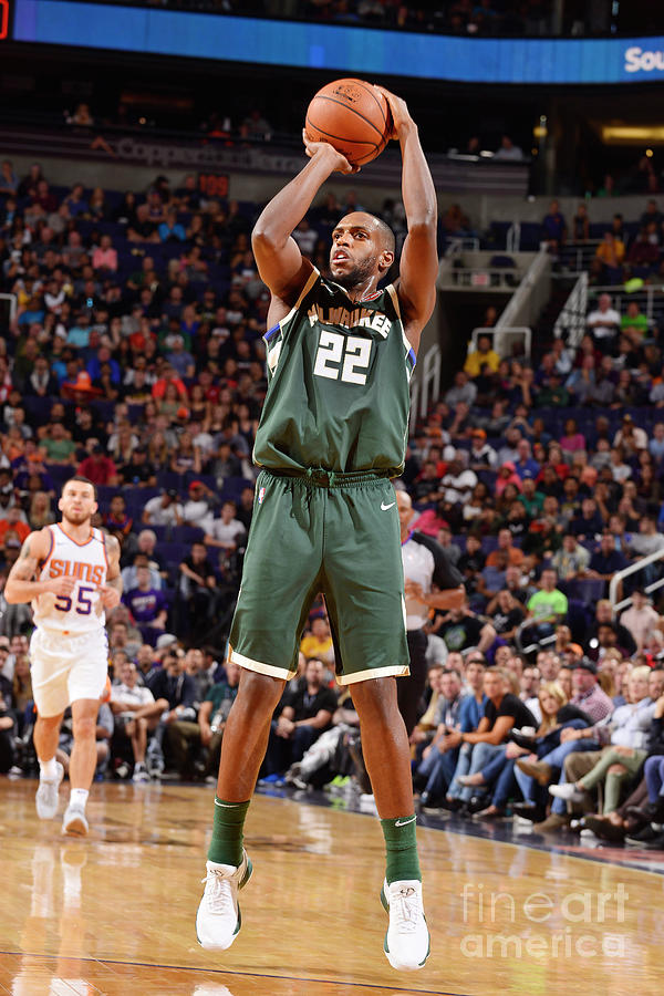 Khris Middleton Photograph by Barry Gossage