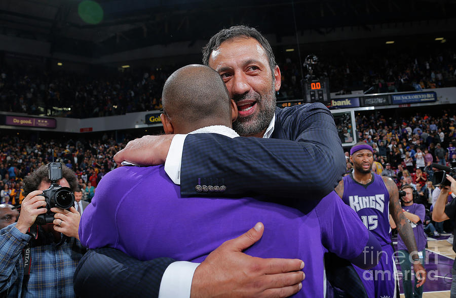 Kobe Bryant and Vlade Divac Photograph by Rocky Widner