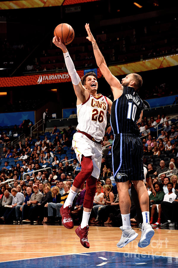 Kyle Korver Photograph by Gary Bassing