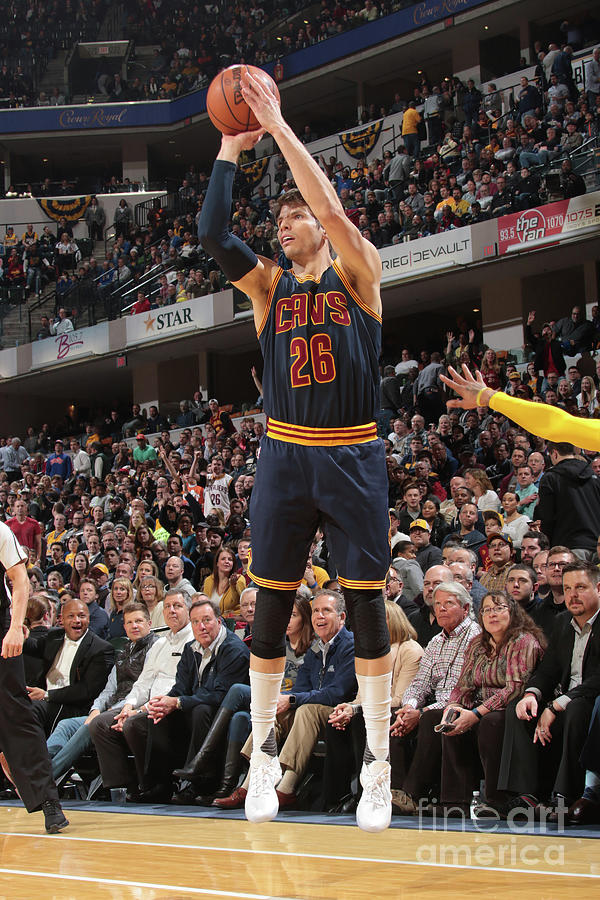 Kyle Korver Photograph by Ron Hoskins
