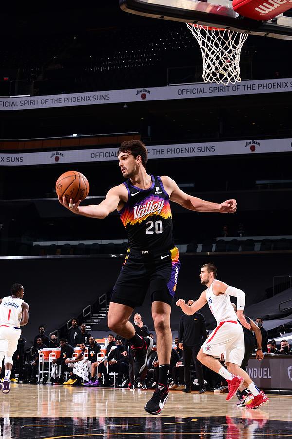 LA Clippers v Phoenix Suns Photograph by Michael Gonzales