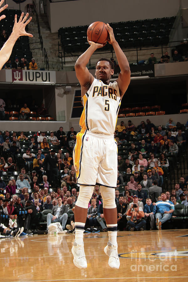 Lavoy Allen Photograph by Ron Hoskins