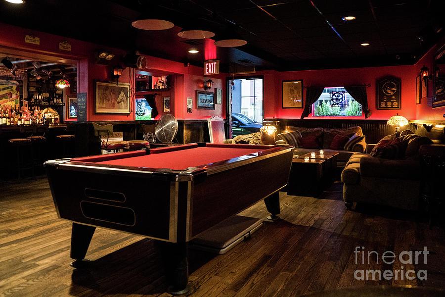 Liffy Bar II by Cole Thompson