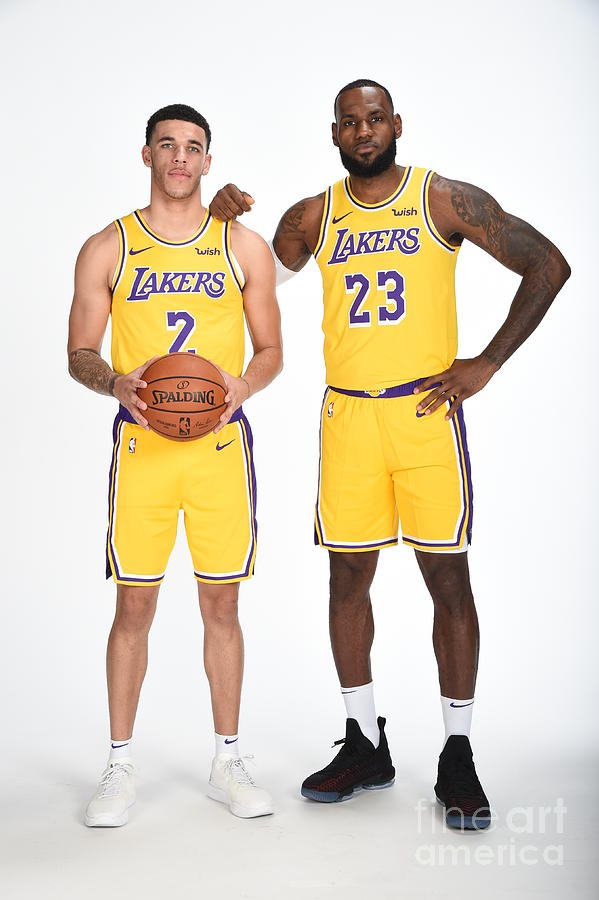 Lonzo Ball and Lebron James Photograph by Andrew D. Bernstein
