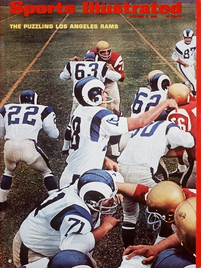 Los Angeles Rams Qb Roman Gabriel... Sports Illustrated Cover Photograph by Sports Illustrated