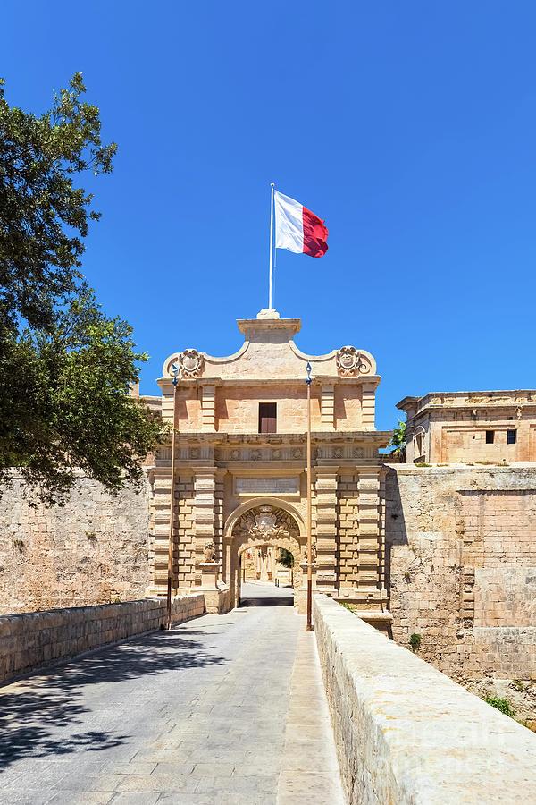Malta Photograph - Malta 06 by Tom Uhlenberg