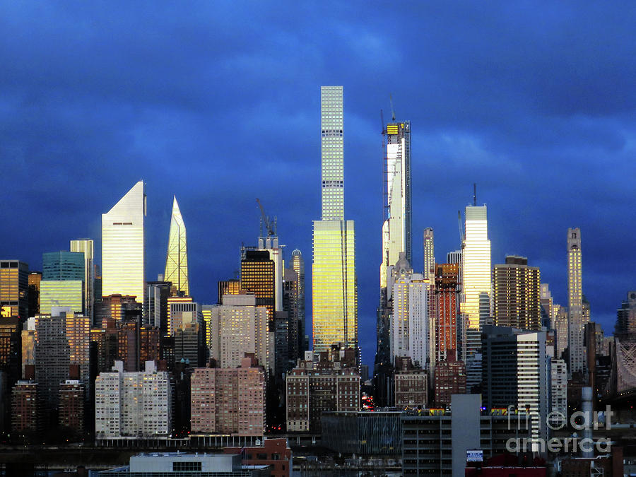 Manhattan Shimmers by Rick Locke