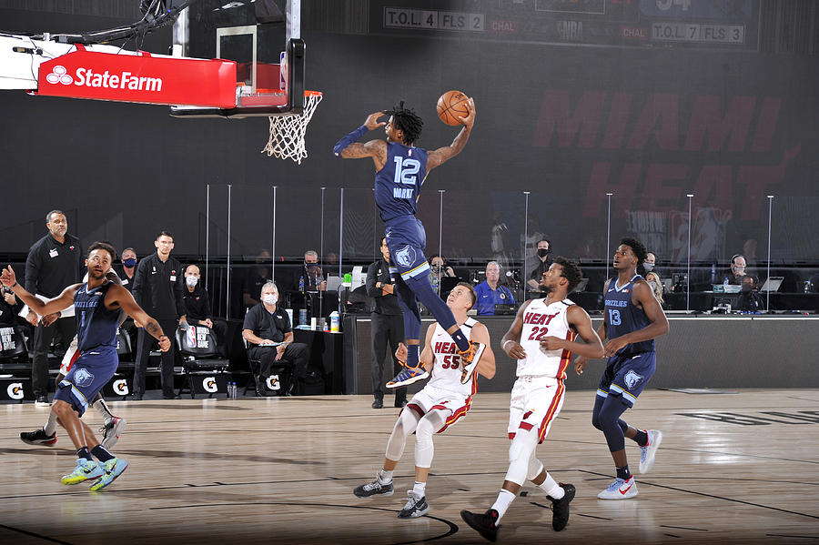 Memphis Grizzlies v Miami Heat Photograph by Joe Murphy