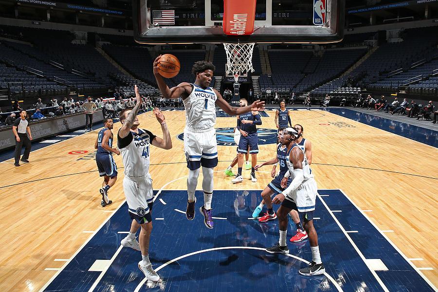 Memphis Grizzlies v Minnesota Timberwolves Photograph by David Sherman