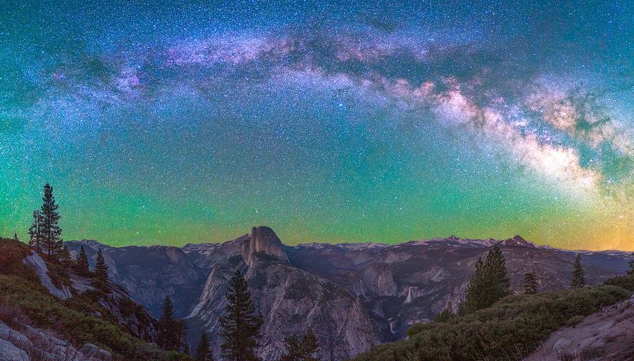 Milky way panorama over Yosemite by Asif Islam