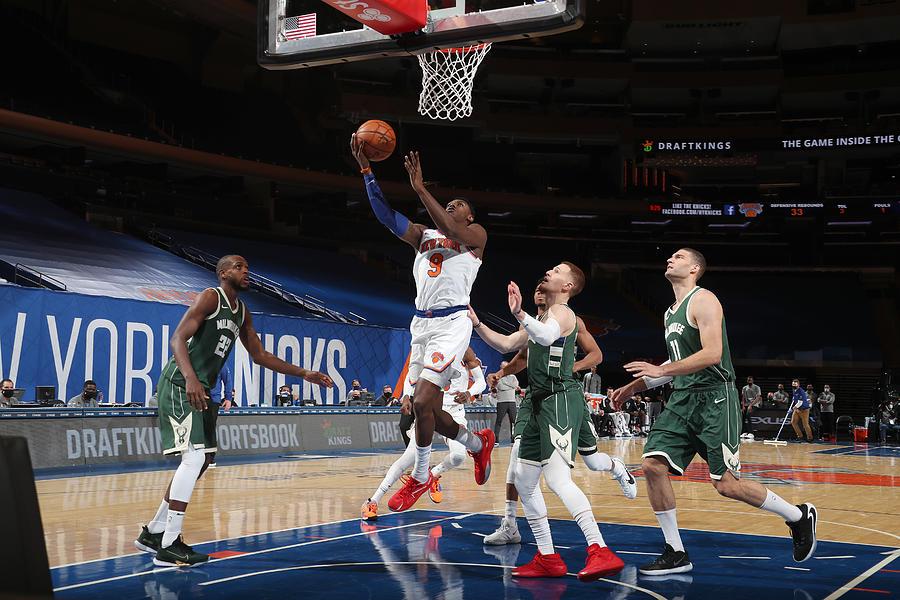 Milwaukee Bucks v New York Knicks Photograph by Nathaniel S. Butler