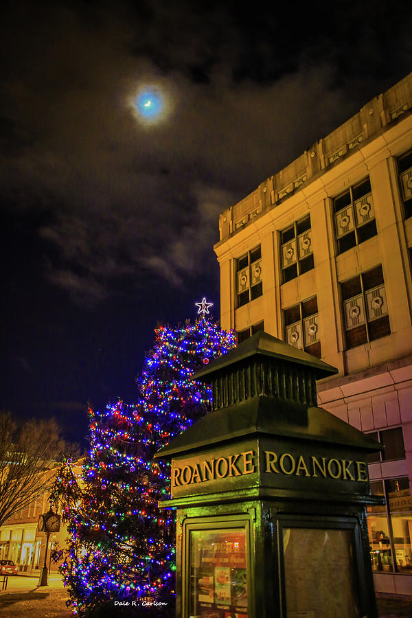 Moonlight Christmas by Dale R Carlson
