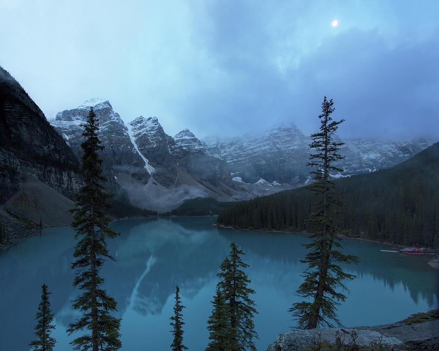 Moraine Lake Moonset by Jemmy Archer