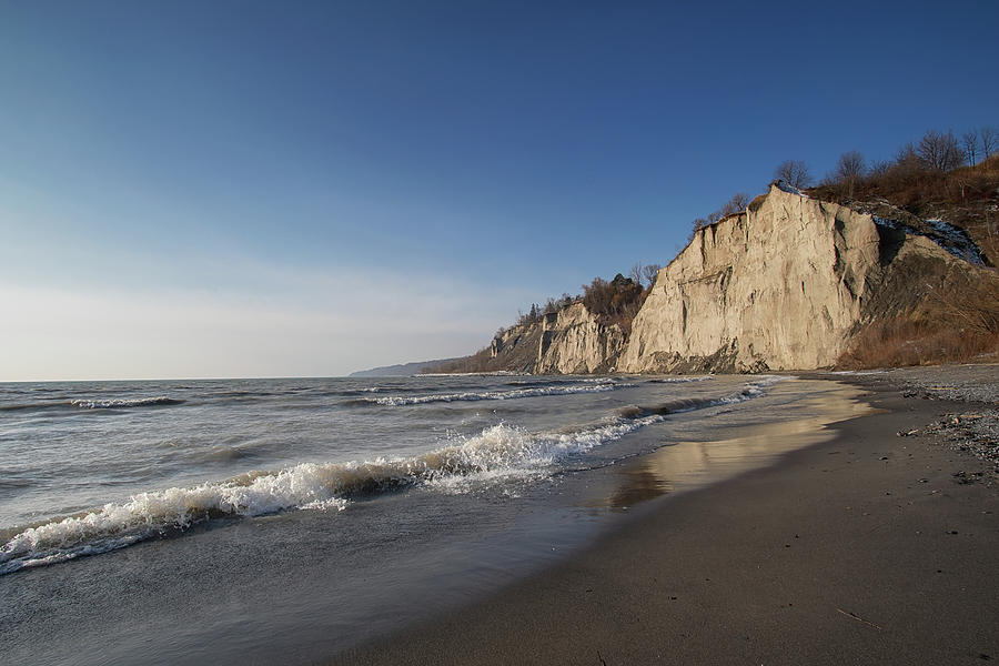 Morning at the beach - Scarborough Bluffs - Ontario, Canada by Spencer Bush