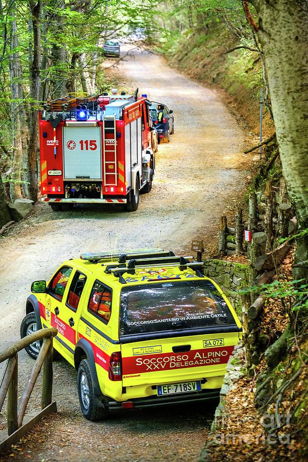 mountain rescue car italian Soccorso by Luca Lorenzelli